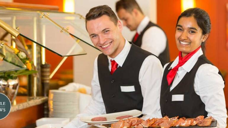 3 Reasons Why You Need A Bar Catering Staff For Your Big Party | Celebration Party Tips