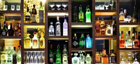 4 Simple Benefits Of Buying Liquor Online | Bottle Knows