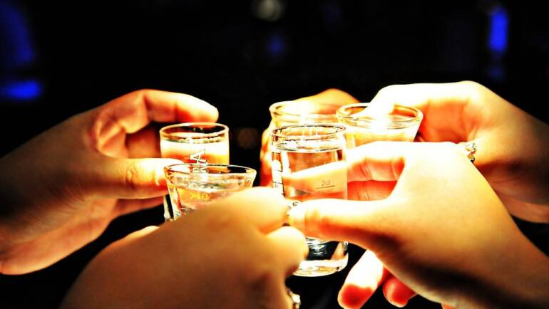 Top 5 Tips For Safe liquor Drinking |  Bottle Knows