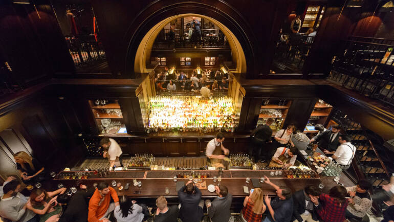 4 Things You Can Do To Find The Best Bar In The City That You Are Visiting During Vacation